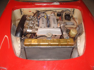 63-s1-enginebay.JPG and