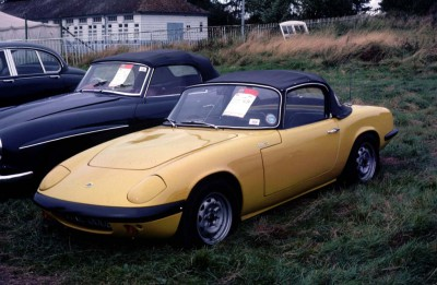 Franks Yellow Elan S2 in UK 2 reduced.jpg and