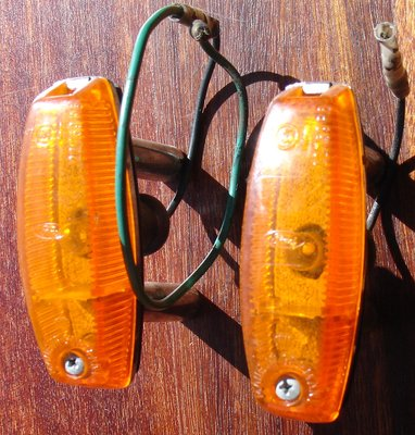 Elan side marker lamps.JPG and