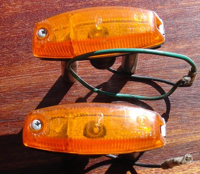 Elan side marker lamps1.JPG and