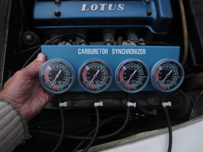 Jerry's gauge @ sync @13.8 psi 111_1257.JPG and