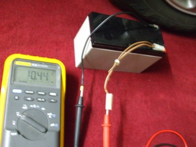 Battery Voltage Across Meter.JPG and