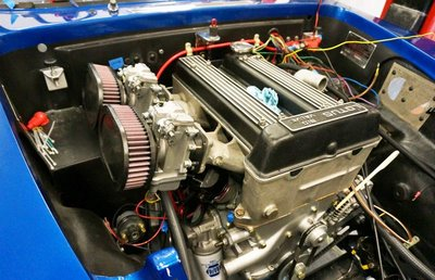 twin-cam-mikuni.jpg and