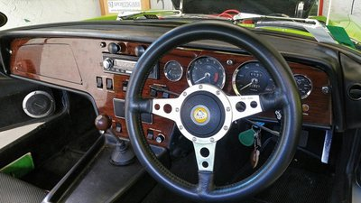 elan-sprint-interior-2.jpg and