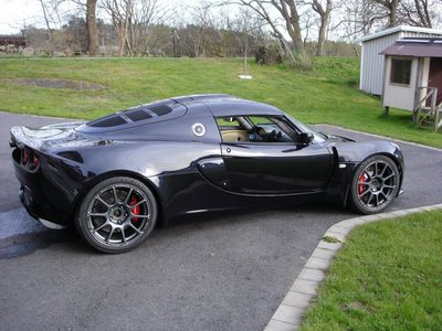 lotus-exige-with-a-bmw-v10-02.jpg and