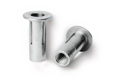 rivnut-pn-blind-rivet-nut-with-slotted-slank-1.jpg and