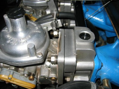 Carburettor mounting 002.jpg and