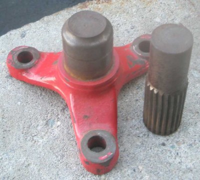 broken diff output shaft.jpg and